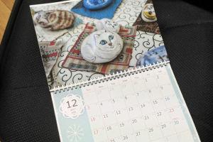 12月は白猫をもってきました