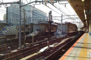 横浜駅10番線横須賀線ホーム