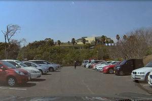 駐車場は8割方利用