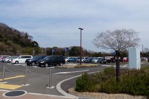 高速側駐車場