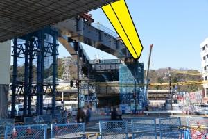 架設される橋桁は黄色の部分になります