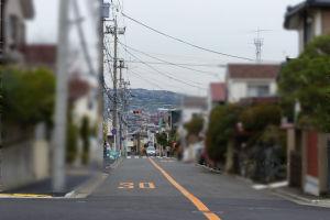 京急六浦駅へ向かう道路