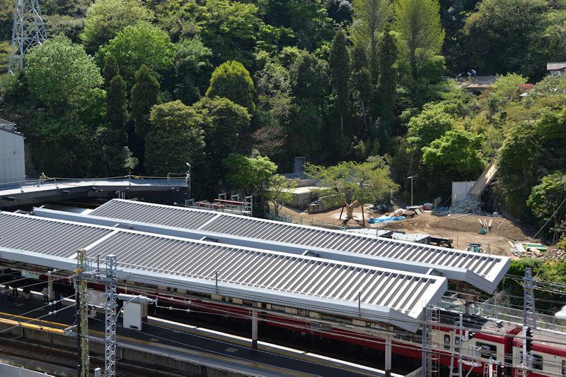 金沢八景駅西側の様子