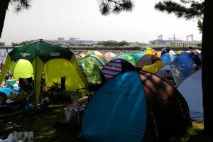 小型のテントを持ってきています