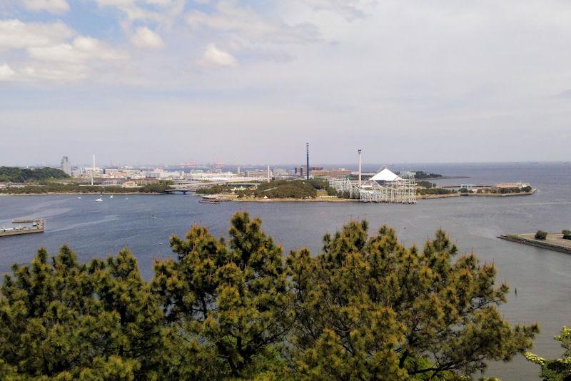 近くには八景島がみえています