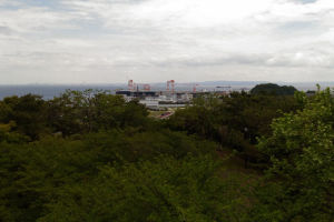 船舶が行き交う東京湾