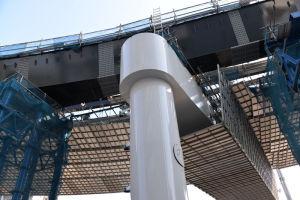 ケンタッキー前の橋脚