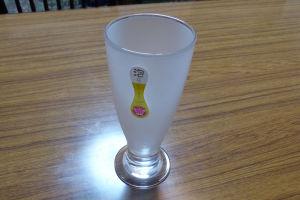 泡立つビヤーグラス