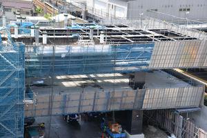 3階はシーサイドラインが延伸され駅舎になります