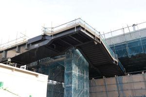 シーサイドラインと京急を結ぶ連絡橋
