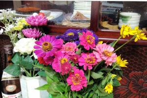 花を仏壇に飾りました