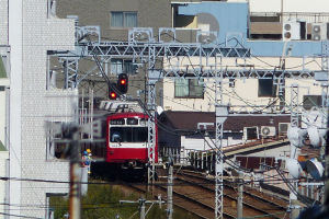 上りの電車がみえています