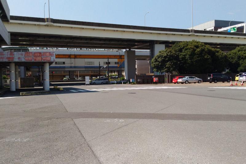 国道357号線に面した南部市場入口