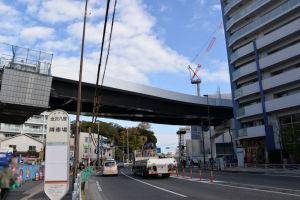 シーサイドライン橋桁パネル撤去