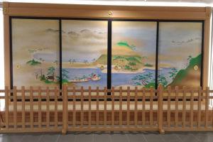 総合庁舎1階には襖絵が飾られています