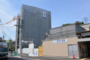 京急金沢八景駅と3街区に建設中の
