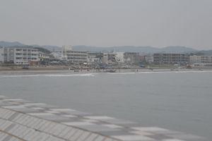 坂ノ下交差点を稲村ケ崎方向へ少し行った