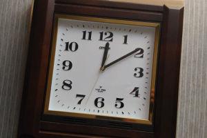 20数年使用してきたアナログの掛け時計