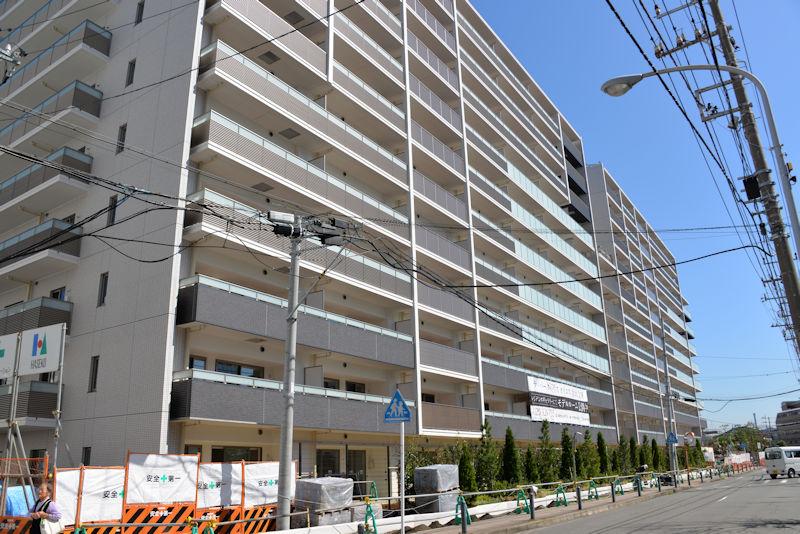 総戸数323戸の大型マンション