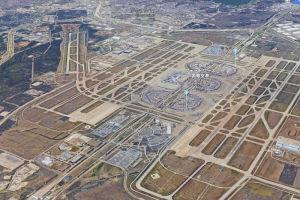 ダラスはハブ空港ですごい大きい