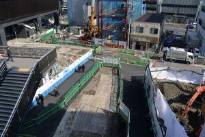京急橋上改札からの東側