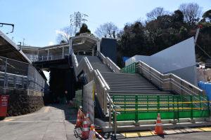 自由通路からの階段