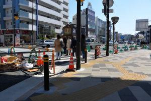 広場から続く16号線の歩道も整備
