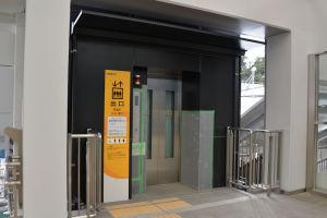 地上とのエレベーター