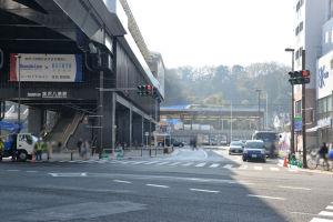 3月26日供用開始となった駅前広場