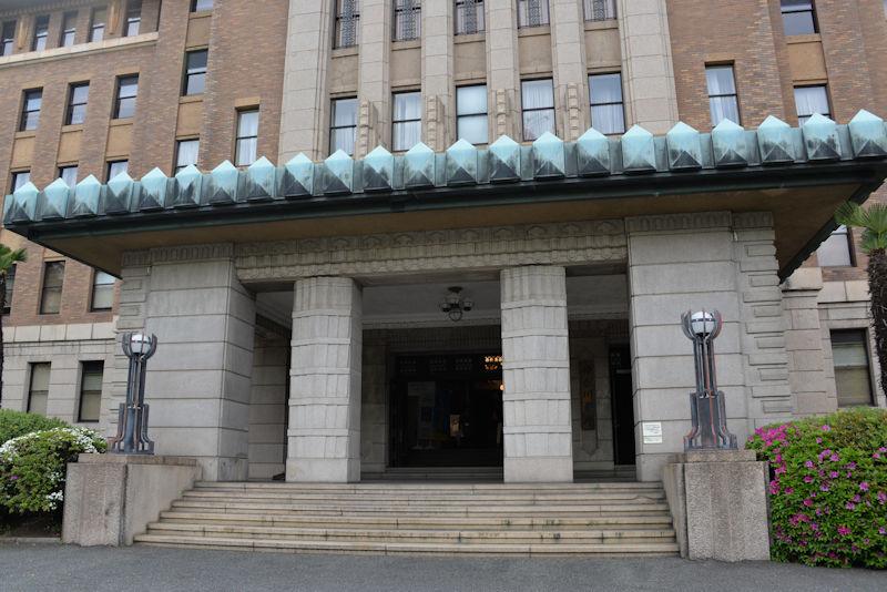 神奈川県庁本庁舎正面玄関