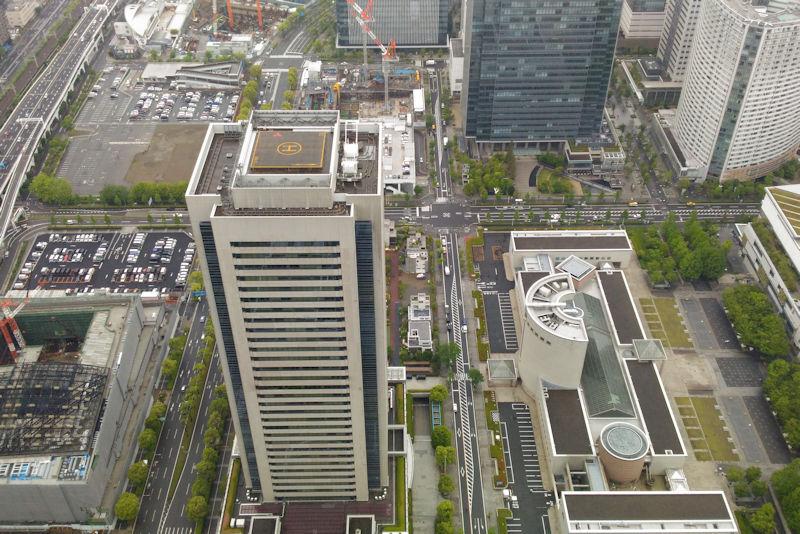 三菱重工横浜ビルと横浜美術館