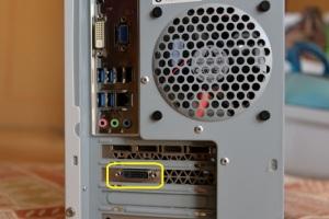 GTX960のモニター出力はDVI