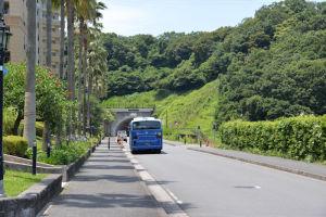 京急金沢文庫駅と結ぶバス