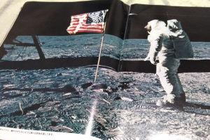 米国国旗が垂れさがらないように