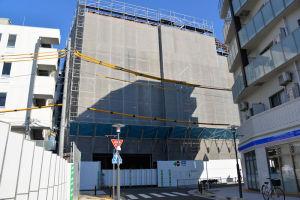 区画5号線から見た駅ビル工事