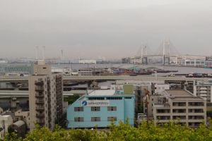 港の見える丘公園からの「山下ふ頭」