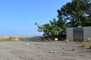 ヘリポート近くの堤防