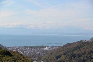 湘南国際村から初冠雪の富士山