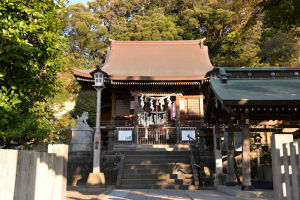 改築中の金沢八景瀬戸神社社務所