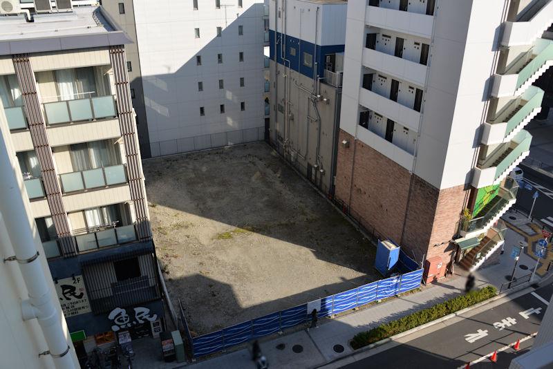 ここにも6階建てのビル