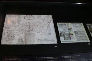 日本地図など展示物