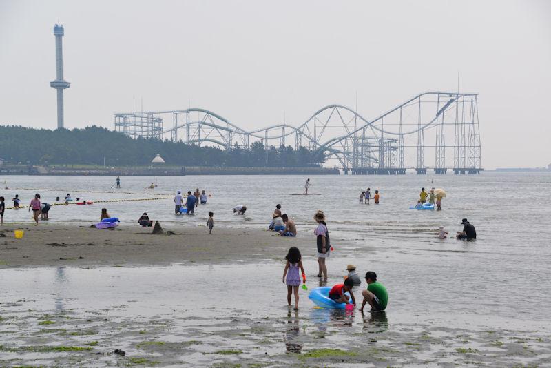 横浜市金沢区の海の公園