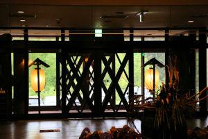 麓の「湧駒荘」に宿泊