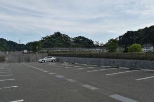 広い駐車場ですが