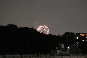 金沢区で花火が上がりました