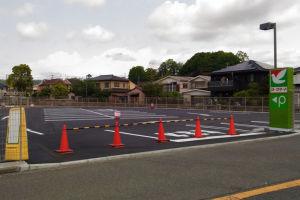ヨークマート新駐車場と横浜逗子線