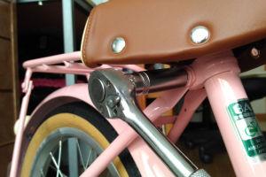 幼児用自転車サドル高さ調整の工具