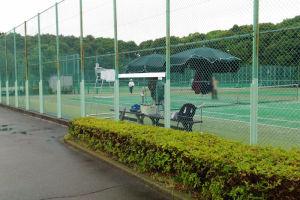 国際村テニスコート20日から再開