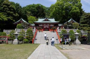 神社の北側にある両崖山