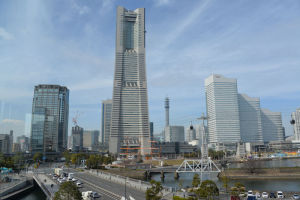 横浜市新市庁舎とAIR CABIN
